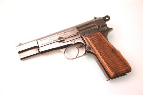 Browning High Power, 9 mm Luger, 1402, § B (W 3923-13)